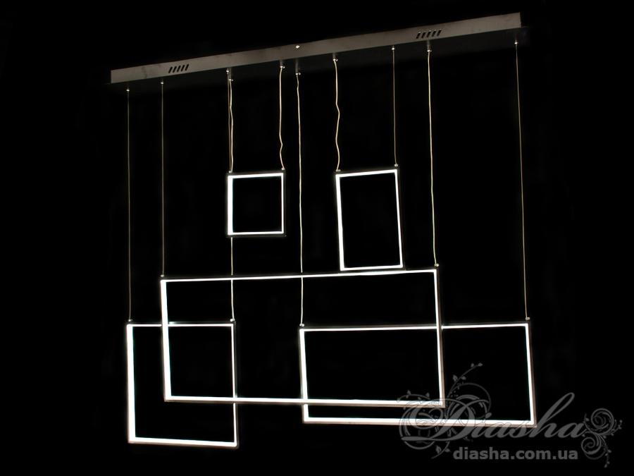 Перед Вами совсем новое и необычное исполнение плафонов, обрамляющих LED лампы. Такая люстра запросто подойдет под любой интерьер – классический, современный и даже в стиле «хай-тек». В комплекте с люстрой идёт самый современный тип пульта с электронным диммером и регулятором цвета. С пульта можно включить один из предустановленных режимов освещения - тёплый свет, холодный свет, нейтральный; включить режим