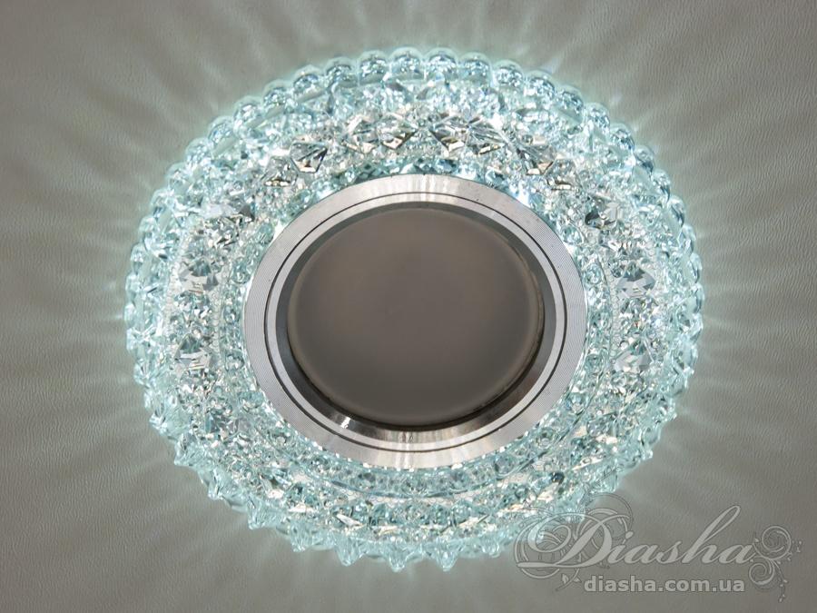 Обычно точечные светильники предназначаются для подвесных потолков и для подсветки различных нишили рабочей поверхности. Конструктивно точечный светильник состоит из двух частей: видимой - декоративной и встроенной – функциональной. Функциональная часть светильников состоит из каркаса, куда вставляется источник света и крепится декоративная часть, а также зажимов, которые предназначены для крепления светильника к потолку. Разнообразие декоративной части точечных светильников из акриловой смолы позволяет сделать Ваш интерьер неповторимым. Главные качества современных точечных светильников – это равномерное освещение всего помещения с возможностью акцентирования необходимых деталей интерьера. Точечные светильники произведенные из оптической смолы лучшее решение для натяжных потолков. Лёгкий корпус из акриловой смолы с оптическими характеристиками близкими к хрусталю. Стойкий к механическим повреждениям. Большой выбор моделей и цветов светильников. В светильник встроена подсветка мощностью 3Вт (цветовая температура 6400K - холодный белый). Лампа MR-16 и трансформатор в комплект не входят.