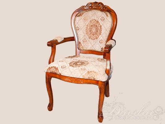 Классическое кресло из натурального дерева, с мягкой обивкой
