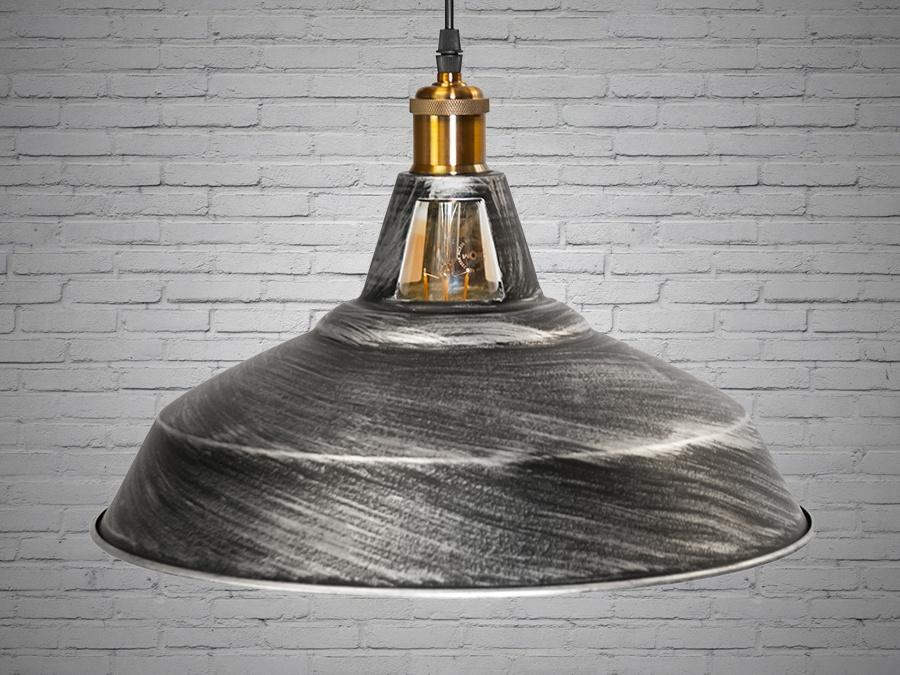 Cветильник в стиле лофт отлично подходит для освещения столиков кафе, барной стойки, рабочей поверхности в кухне-студии и тд. Применение светильника-подвеса в стиле «лофт» весьма разнообразно. Этот светильник отлично подходит для подсветки рабочей поверхности. Минимализм этой люстры подчеркнет вашу индивидуальность и чувство стиля. Стиль «Лофт» сейчас очень популярен, его любят как творческие личности, так и весьма практичные люди, предпочитающие комфорт и простоту в интерьере. Люстры в стиле «лофт» идеально впишутся в современные дома, квартиры, кафе, арт-пространства, коворкинги, квеструмы. За счет регулировки шнура можно подобрать оптимальную высоту светильника. Возможно использовать с лампой увеличенной мощности за счёт хорошей вентиляции. Благодаря прорезям в верхней части светильника обеспечивает ненавязчивую подсветку потолка. Идеально сочетается с лампой Эдиссона. Лампа в комплект не входит.
