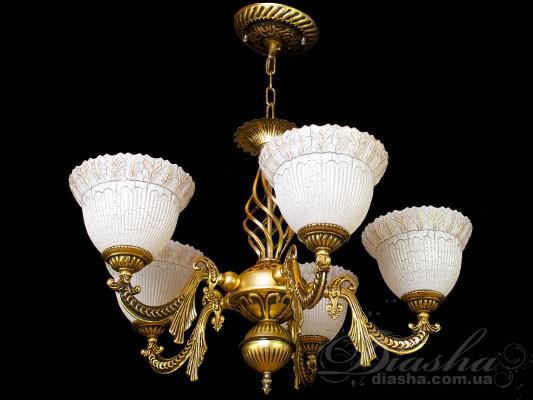 В данной серии имеются бра на 1 и 2 лампочки, а также люстры на 3, 5, 9, 11 лампочек.