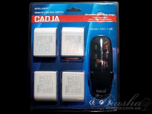 Кол-во цепей нагрузки: 4 Таймер: да Максимальная мощность нагрузки: 4х1000 Вт. Размер контроллера: 54Х40Х22мм. Пульт дистанционного управления (ПДУ) позволяет включать и выключать свет, а также выбирать необходимое количество включенных ламп из любой точки комнаты, и даже не находясь в ней. После установки такого пульта к вашей люстре вам больше нет необходимости выключать свет а потом в темноте пробираться от выключателя к кровати, вы можете удивить ваших гостей погасив или включив освещении не вставая с кресла. Начался захватывающий фильм, вам хочется приглушить свет и лень вставать – нет проблем - всего одно нажатие клавиши на пульте и освещение подчинится Вам. Также неоспоримым преимуществом пульта является отсутствие необходимости прокладывать проводку к выключателю. Например, если вы решили установить люстру с двумя-тремя и более режимами, а существующая проводка рассчитана всего лишь на одинарный выключатель. И для подключения не обойтись исключительно заменой выключателя, ведь надо и поменять провода от выключателя к люстре. А это в свою очередь ведет к штроблению стен, порче обоев, огромным временным и материальным затратам. При использовании пультового управления все, что придется сделать при установке – подключить блок управления к люстре (устанавливается непосредственно в корпус люстры) и закрепить на стене подставку для пульта. Пульт рассчитан на подключение люстры общей мощностью до 4000Вт, может быть подключен как к галогеновым люстрам, так и к классическим с лампами накаливания или экономками. Размер блока управления настолько невелик, что позволяет устанавливать его практически на любую люстру. Даже при отсутствии у люстры потолочной коробки блок можно закрепить на раме люстры.Отдельные блоки позволяют подключить дистанционное управление сразу к нескольким устройствам, например люстре, бра и группе точечных светильников.
