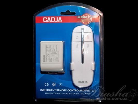 Кол-во цепей нагрузки: 1 Таймер: да Максимальная мощность нагрузки: 1х1000 Вт. Размер контроллера: 54Х40Х22мм. Пульт дистанционного управления (ПДУ) позволяет включать и выключать свет, а также выбирать необходимое количество включенных ламп из любой точки комнаты, и даже не находясь в ней. После установки такого пульта к вашей люстре вам больше нет необходимости выключать свет а потом в темноте пробираться от выключателя к кровати, вы можете удивить ваших гостей погасив или включив освещении не вставая с кресла. Начался захватывающий фильм, вам хочется приглушить свет и лень вставать – нет проблем - всего одно нажатие клавиши на пульте и освещение подчинится Вам. Также неоспоримым преимуществом пульта является отсутствие необходимости прокладывать проводку к выключателю. Например, если вы решили установить люстру с двумя-тремя и более режимами, а существующая проводка рассчитана всего лишь на одинарный выключатель. И для подключения не обойтись исключительно заменой выключателя, ведь надо и поменять провода от выключателя к люстре. А это в свою очередь ведет к штроблению стен, порче обоев, огромным временным и материальным затратам. При использовании пультового управления все, что придется сделать при установке – подключить блок управления к люстре (устанавливается непосредственно в корпус люстры) и закрепить на стене подставку для пульта. Пульт рассчитан на подключение люстры общей мощностью до 1000Вт, может быть подключен как к галогеновым люстрам, так и к классическим с лампами накаливания или экономками. Размер блока управления настолько невелик, что позволяет устанавливать его практически на любую люстру, в дозу или подразетник. Даже при отсутствии у люстры потолочной коробки блок можно закрепить на раме люстры.